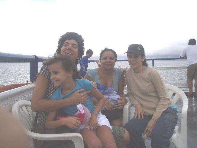 Travessia Belém-Ilha do Marajó, parte de cima do ferry boat, tranquila como se pode ver pelas águas.
